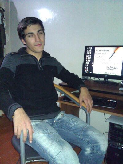 Фото мужчины Нуран, Баку, Азербайджан, 20